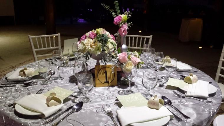 bodas en la playa, decoración en gris y rosa pastel - party boutique