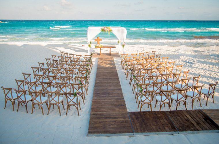 Matrimonio Catolico En La Playa : Ideas fantásticas de gazebos para tu boda en la playa